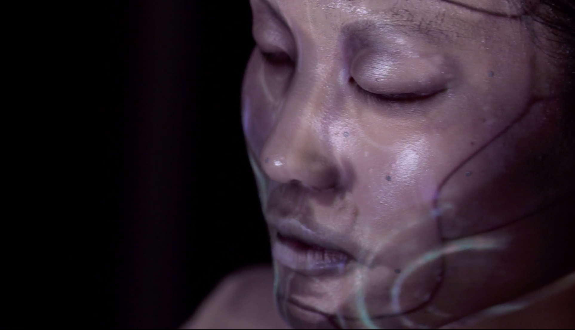 OMOTE--REAL-TIME-FACE-TRACKING-&-PROJECTION-MAPPING-3dart