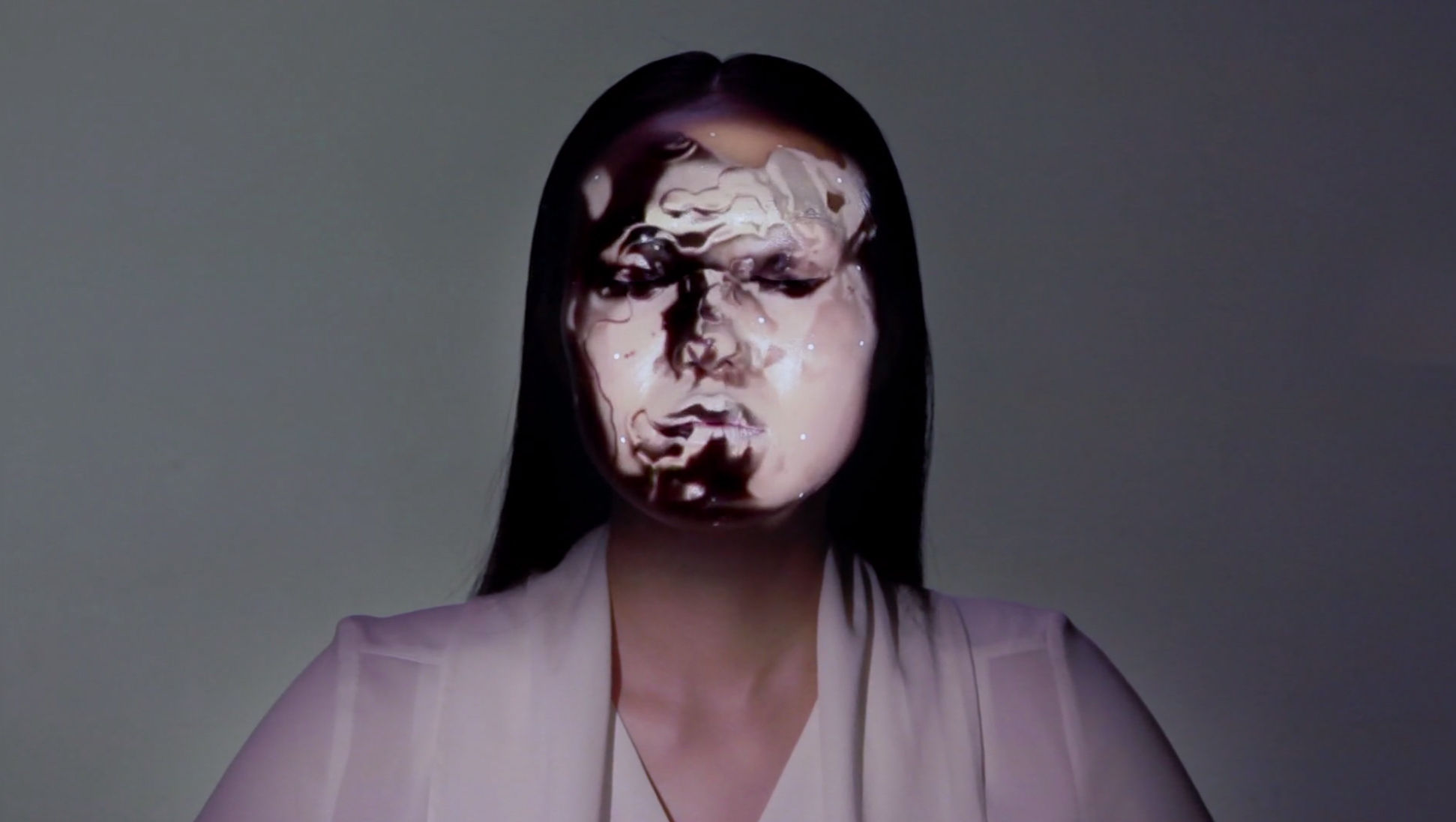 OMOTE--REAL-TIME-FACE-TRACKING-&-PROJECTION-MAPPING_3dart